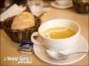 前菜的湯跟麵包